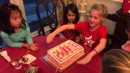 进入普通美国人家庭 参加洋娃娃主题生日派对 22