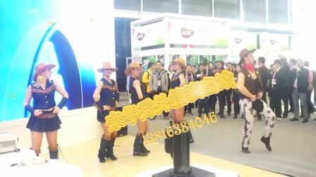 去上海家博展会上看美国牛仔舞表演和外籍阿拉伯肚皮舞美女