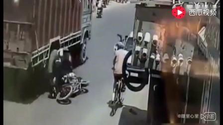 摩托车事故,监控拍下死亡瞬间