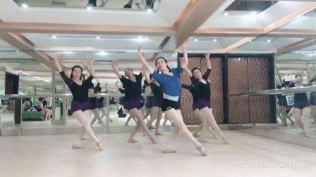 张彬舞蹈《绒花》