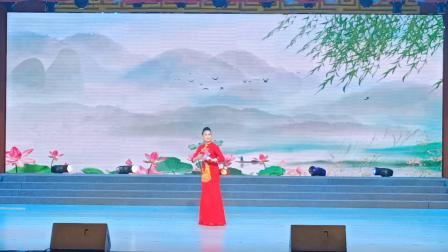 《梨园春》名家擂主走进方城大型戏曲晚会风度翩翩摄于方城县人民剧场
