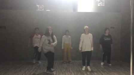 """广西南宁2019""""舞魅娘""""陈东校区-hiphop(嘻哈.自由式街舞)课:…编舞(学员练习部分)1575641019939"""