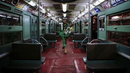 MOSCHINO 2020早秋女装暨2020秋季男装系列时装秀