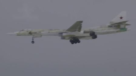 现代化改型Tu-160M战略轰炸机于喀山进行首飞