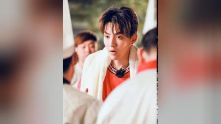 吴亦凡录制综艺节目出现小意外啊西安打篮球引起迷妹尖叫