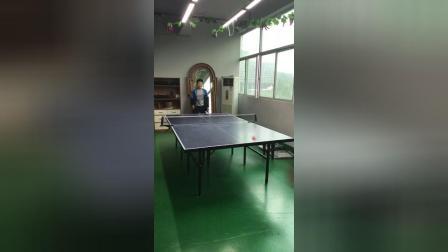 小马哥马旭 和朋友公子切磋乒乓球