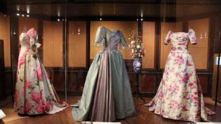 """丹麦女王玛格丽特二世抵达老城奥胡斯,出席""""女王的衣柜""""展览"""