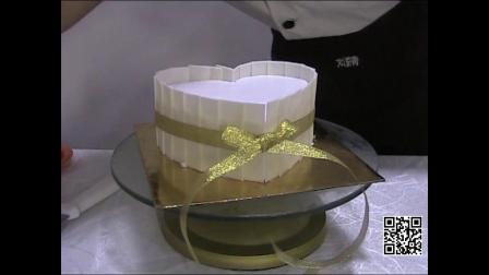 来刘清西点培训学校定制蛋糕,让空气中弥漫爱意和芬芳!