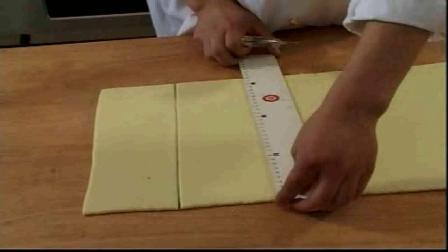 裱花蛋糕的制作方法烤箱如何烤面包