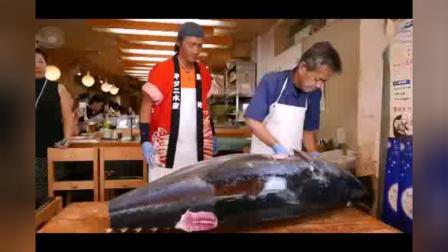 日本海鲜市场, 看老师傅如何切割蓝鳍金枪鱼, 做成美味的金枪鱼寿司
