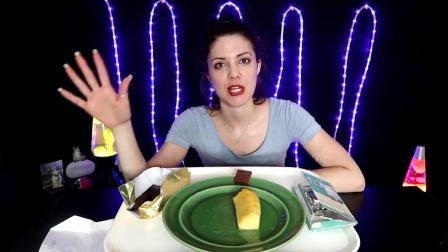 [ Divine Munchies ] 巧克力棒和菠萝水果