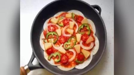 不要花钱买披萨了!在家用炒锅和饺子皮做披萨,保证孩子不挑食!