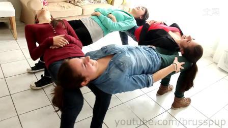 【youtube奇趣精选】惊呆了!实拍4个女汉子表演椅子绝技!