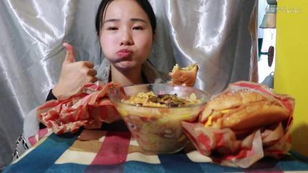48.5 汉堡王新品~ 牛排堡~超好吃!鸡排堡~螺蛳粉/膨化薯条~ 中国吃播~_美食圈_生活
