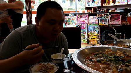 中国吃播大胃王密子君 西湖招牌菜鱼头汤拌饭 东坡肉汤拌饭吃了三大碗米饭