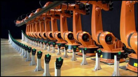 库卡10多台机器人联合表演视频