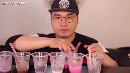 韩国豪放派大胃王小伙喝8杯珍珠奶茶