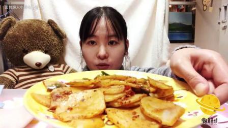 『吃播』家常菜系列糖醋里脊·西红柿炒鸡蛋·麻辣土豆片 没有面包的一期~_美食圈_生活
