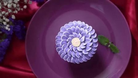纸杯蛋糕的做法 玫瑰花造型纸杯蛋糕-如何裱花祝寿蛋糕