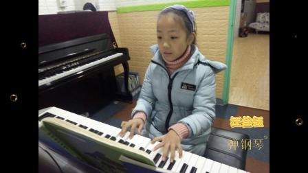 汪佳钰 弹钢琴