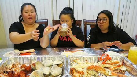 【英语吃播】姐妹档吃海鲜煮:帝王蟹足 龙虾尾 蛤蜊~_美食圈_生活