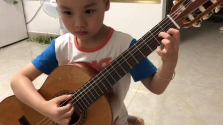 高子皓小朋友(6岁)2018年6月16日练琴视频