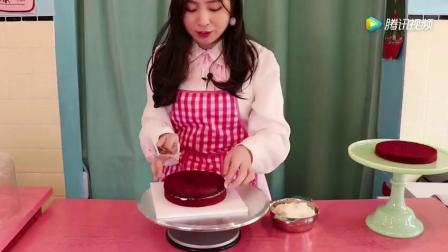 《小伶玩具》成为蛋糕店老板吧! 想不想制作好多好多美味的蛋糕呀