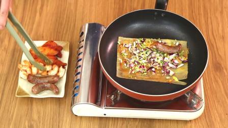 壹食三刻   这可能是最豪华的烤冷面,吃一口绝对让你爱上它!