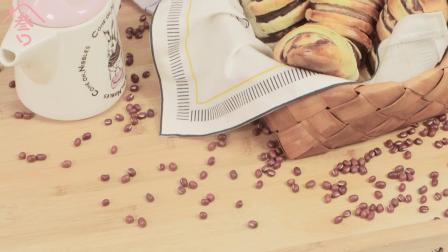 《妈妈厨房》之毛毛虫面包