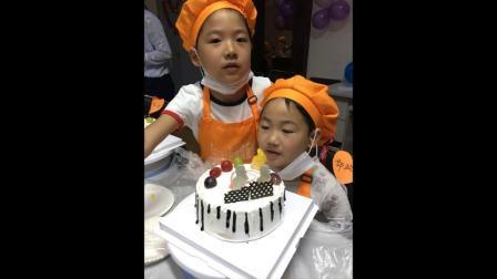 母亲节小朋友做蛋糕1