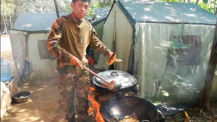 野外做的地锅排骨和地锅烩菜别有一番滋味