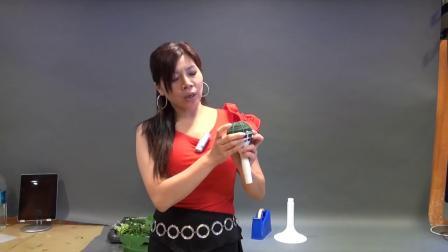 52yuehua花艺插花教学视频_白掌玫瑰花球示范