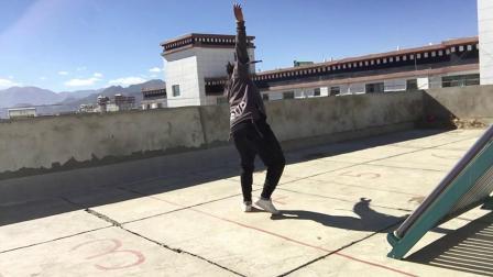 跳起来,跳跳起来,跳跳跳