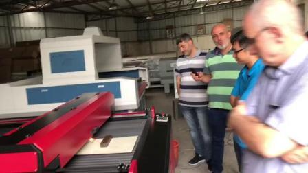 黎巴嫩客户来我司查看机器