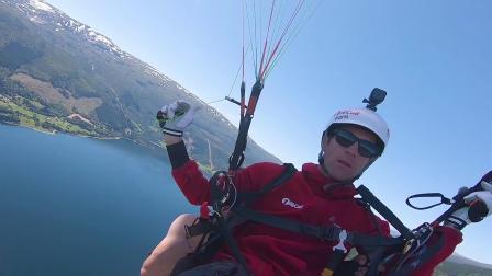 滑翔伞和攀登