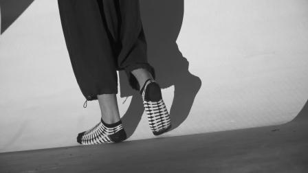 经典黑白配色摩登时代袜子潮袜子女士男士男神女生袜子黑白高腰大片感觉的袜子潮流袜子