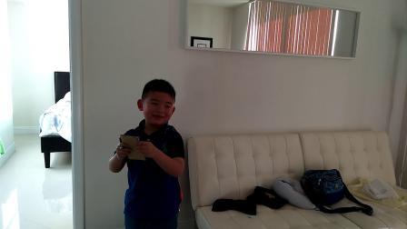 【6岁半】2-9哈哈在迈阿密酒店填写超市购物清单video_080304