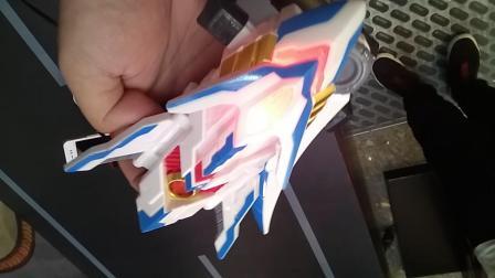 铠甲勇士猎铠鹰帅 升级版冰羽刃试玩