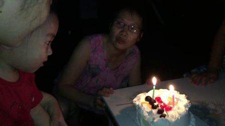 对对生日不吹蜡烛