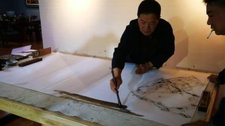 鹤庆段天禄老师在鹤庆闾丘文化公司作画