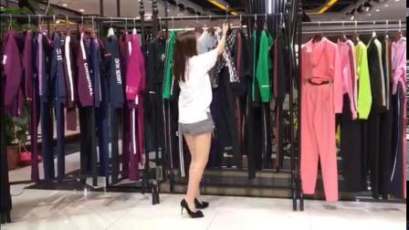 18年最新 女装运动套装  广州最全面的服装货源 13189503007