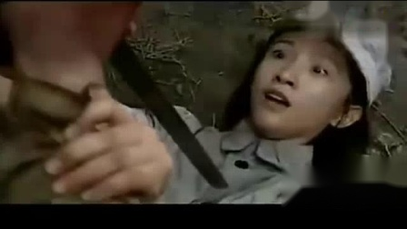 我在八路军女军医为日军伤兵治伤, 不料却被日军伤兵用刺刀刺死截了一段小视频