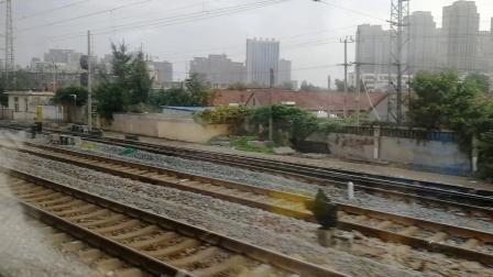 K76次枣庄西站通过