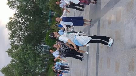 西宁城中区人民广场锅庄舞