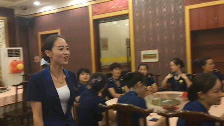 植氏粥公粥婆古槐店月底员工表彰大会(2)