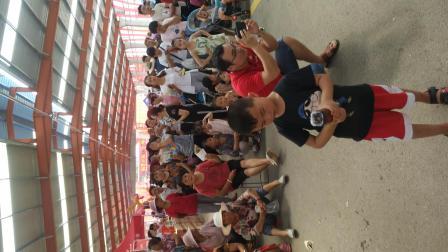 枣庄刘华辣子鸡节启动仪式唱的真不错,嗓音清脆太好听了