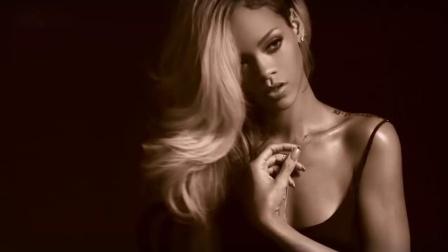 蕾哈娜Rihanna Sexy Photoshoot