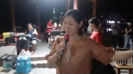 这两位退休婺剧女演员又一次表演唱《三请梨花》洞房选段