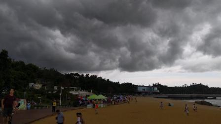 黑云压城城欲摧!
