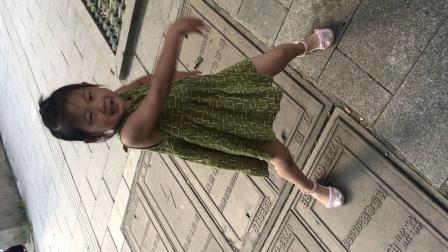 4岁小女孩跳兔子舞(487q.cn)